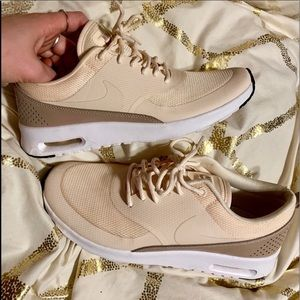 Women's Nike air max Thea cream and tan size 7.5